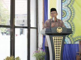 Prof. Maskuri Bakri